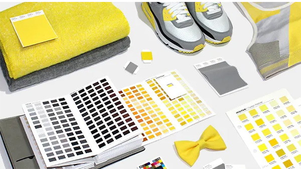 The most fashionable colors of the year are gray and rich yellow