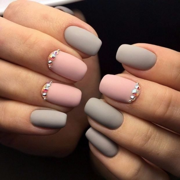 nude two-tone manicure with stones
