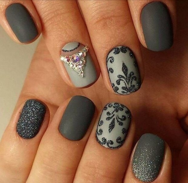 olive patterned manicure