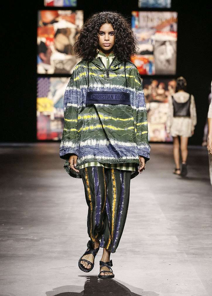 Fashionable jackets spring 2021: trends and news photo # 21