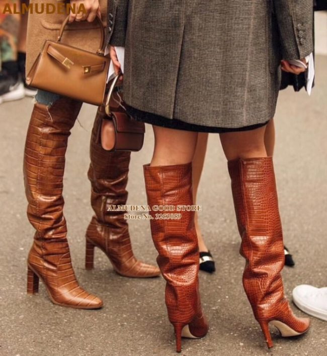 Fashionable boots very winter 2021-2022