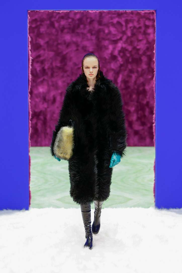 Prada collection autumn-winter 2021-2022 photo # 9