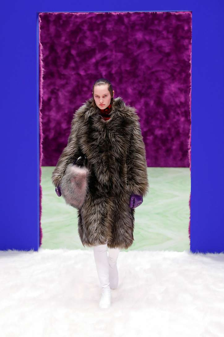 Prada collection autumn-winter 2021-2022 photo # 14