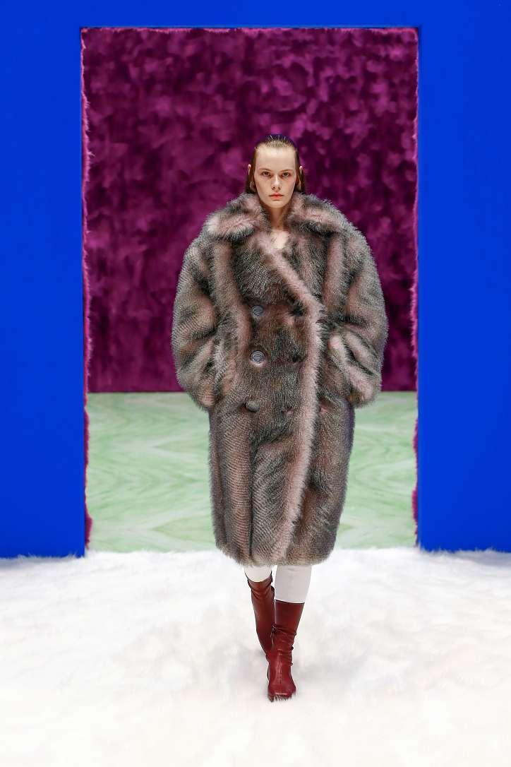 Prada collection autumn-winter 2021-2022 photo # 29