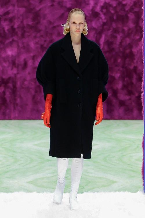Fashion coats 2021 2022 trend black coat