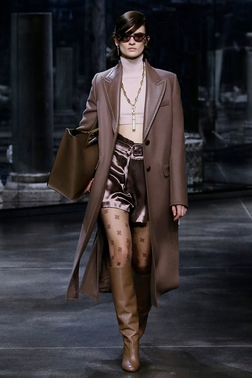 Fashionable coats 2021 2022 trend classic men's coat