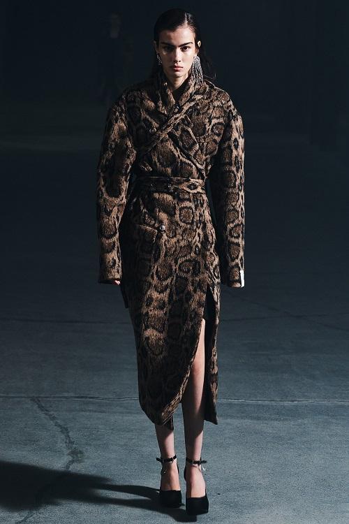 Fashion coats 2021 2022 trend leopard coat