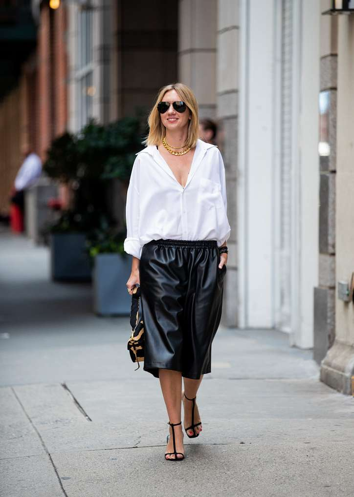 How to wear a white shirt: 10 fashionable images photo # 8