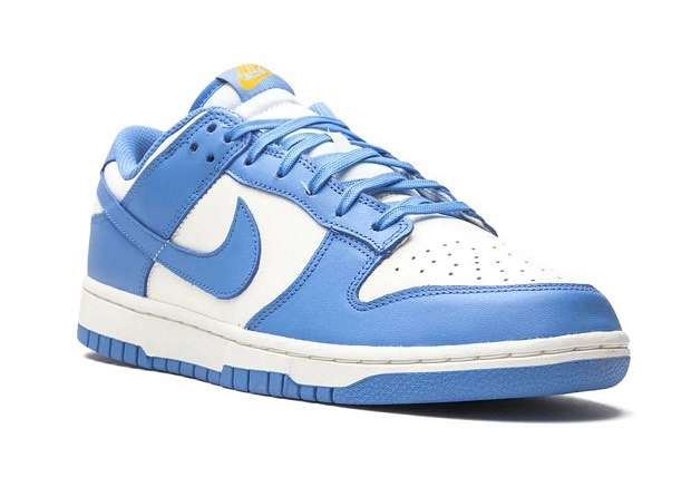 Fashionable sneakers: top 10 best photos # 3