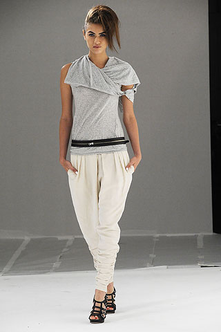 summer tapered trousers