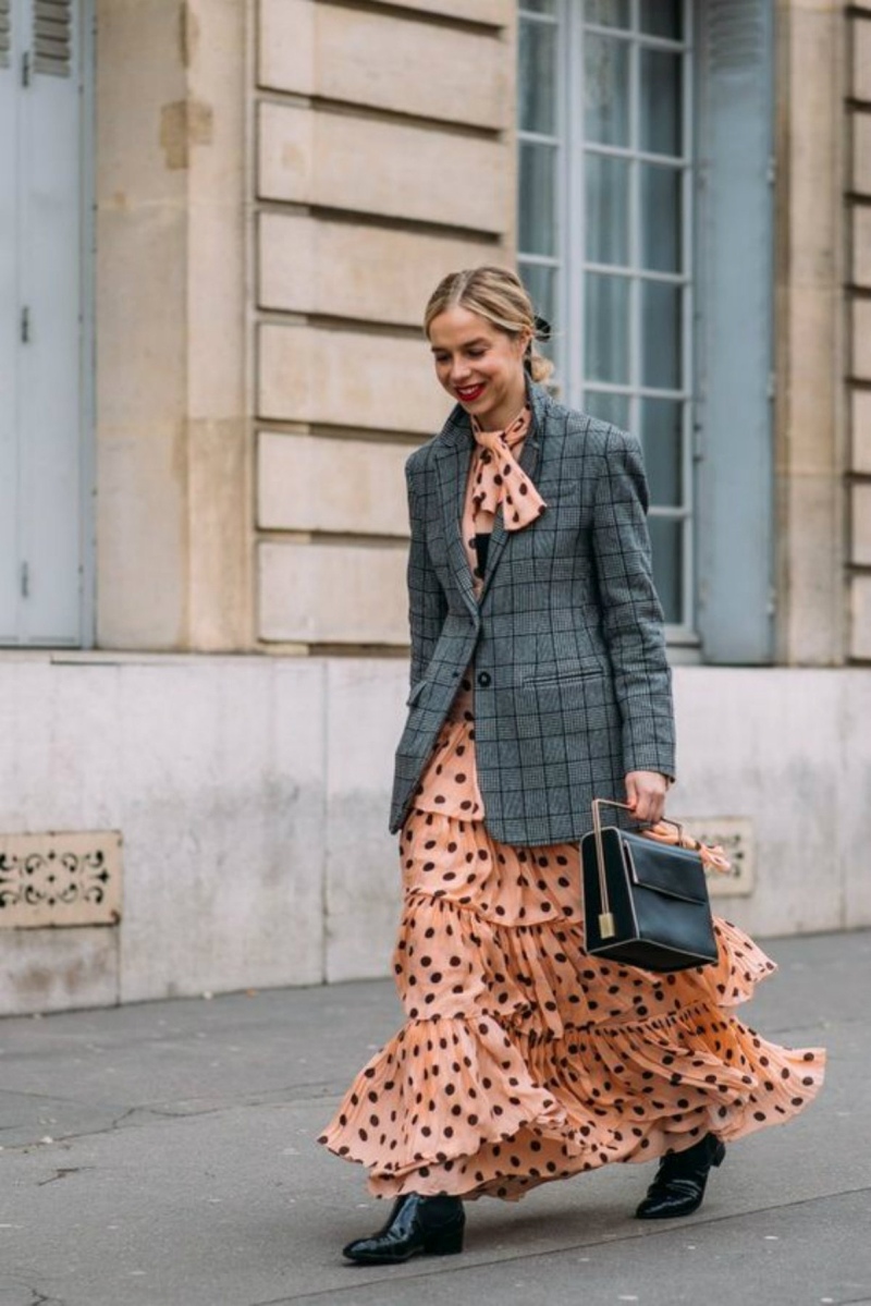 what to wear with a pea dress