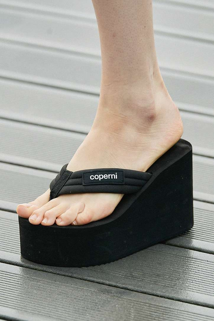 The most fashionable summer sandals: 5 main trends photo # 19
