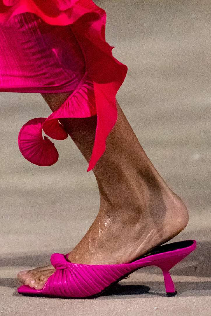 The most fashionable summer sandals: 5 main trends photo # 28
