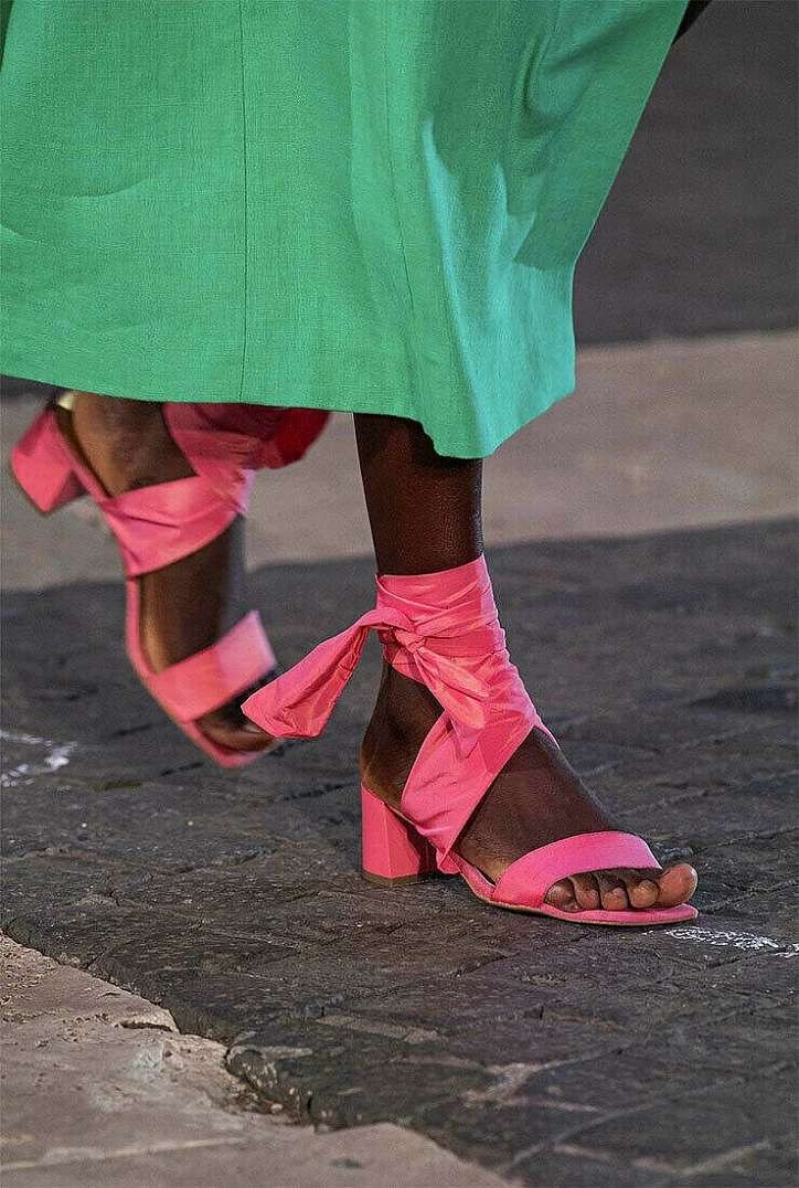 The most fashionable summer sandals: 5 main trends photo # 29