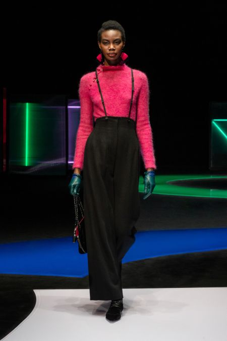 Emerald short gloves from the Emporio Armani collection