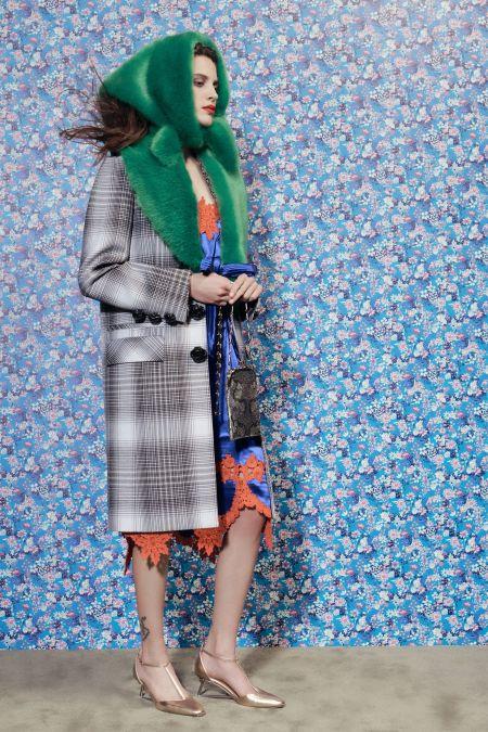Fashionable winter fur shawl