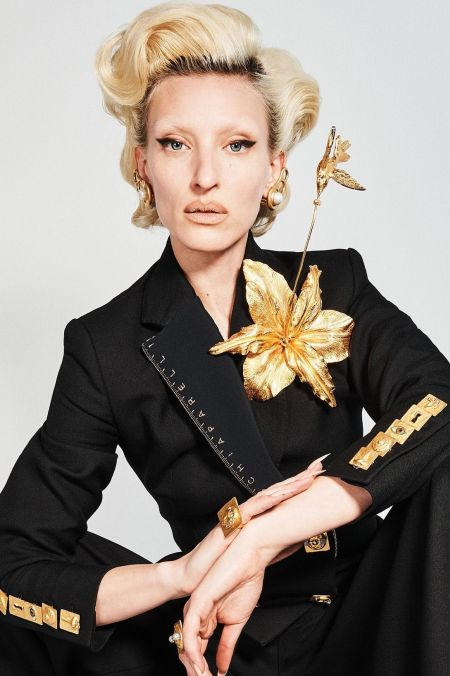 Large gold lily brooch