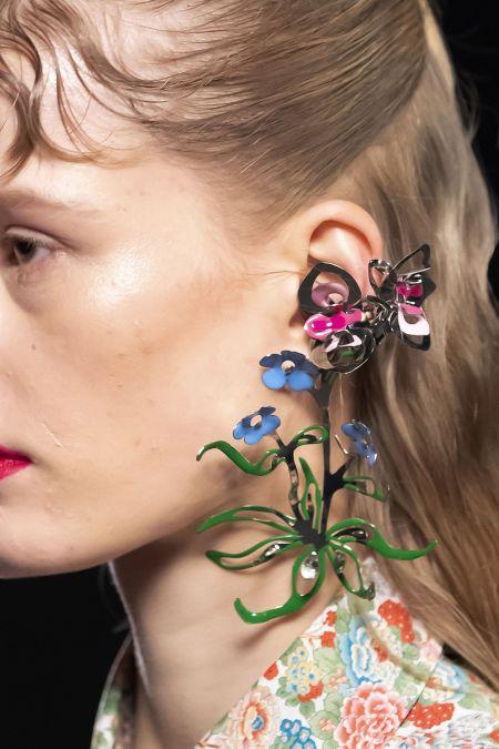 Fall 2021 jewelry trend - floral motifs