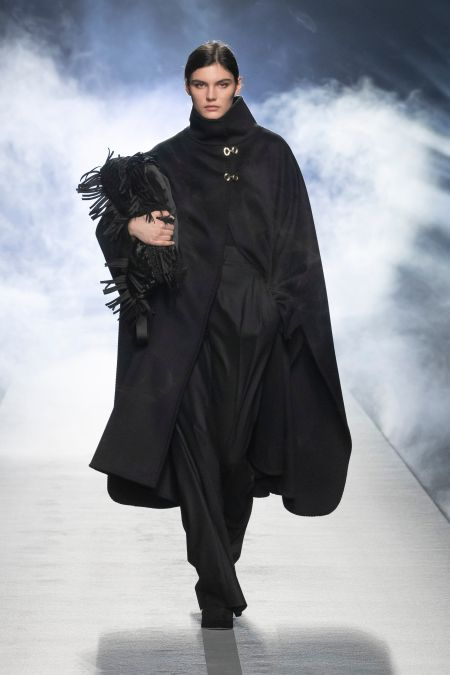 Fringe on the bag - fashion accessories fall-winter 2021