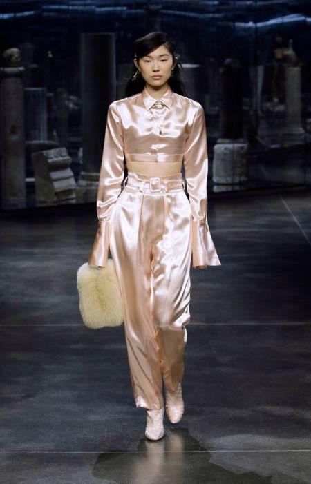 Fendi Fall Winter 2021 Collection White Fur Bag