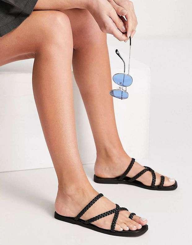 Fashionable summer flat-soled shoes photo # 3