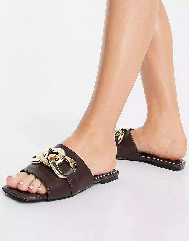 Fashionable summer flat-soled shoes photo # 13