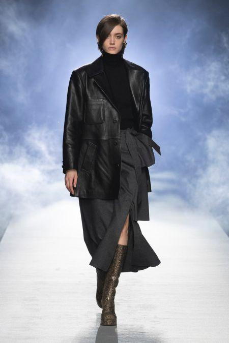 Long oblique bangs.  Alberta Ferretti Fall-Winter 2021-2022 Collection
