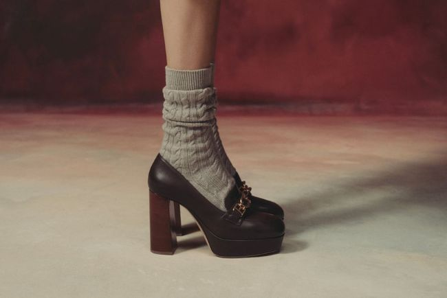 Loafers with heels and platform