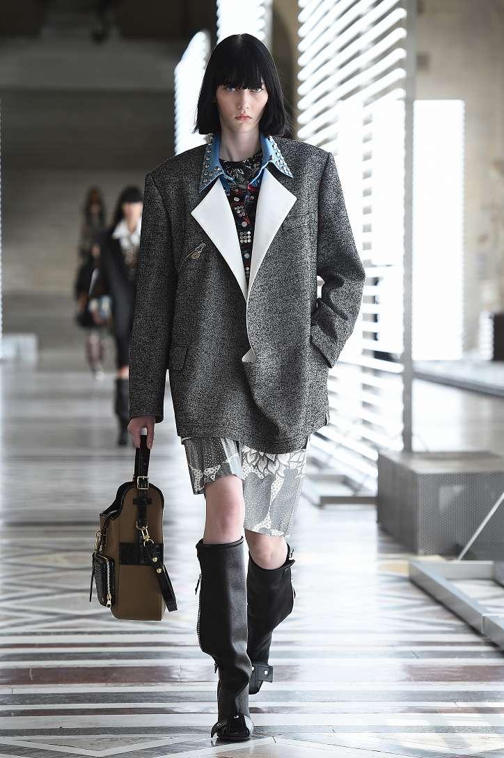 Louis Vuitton collection fall-winter 2021-2022 photo # 2
