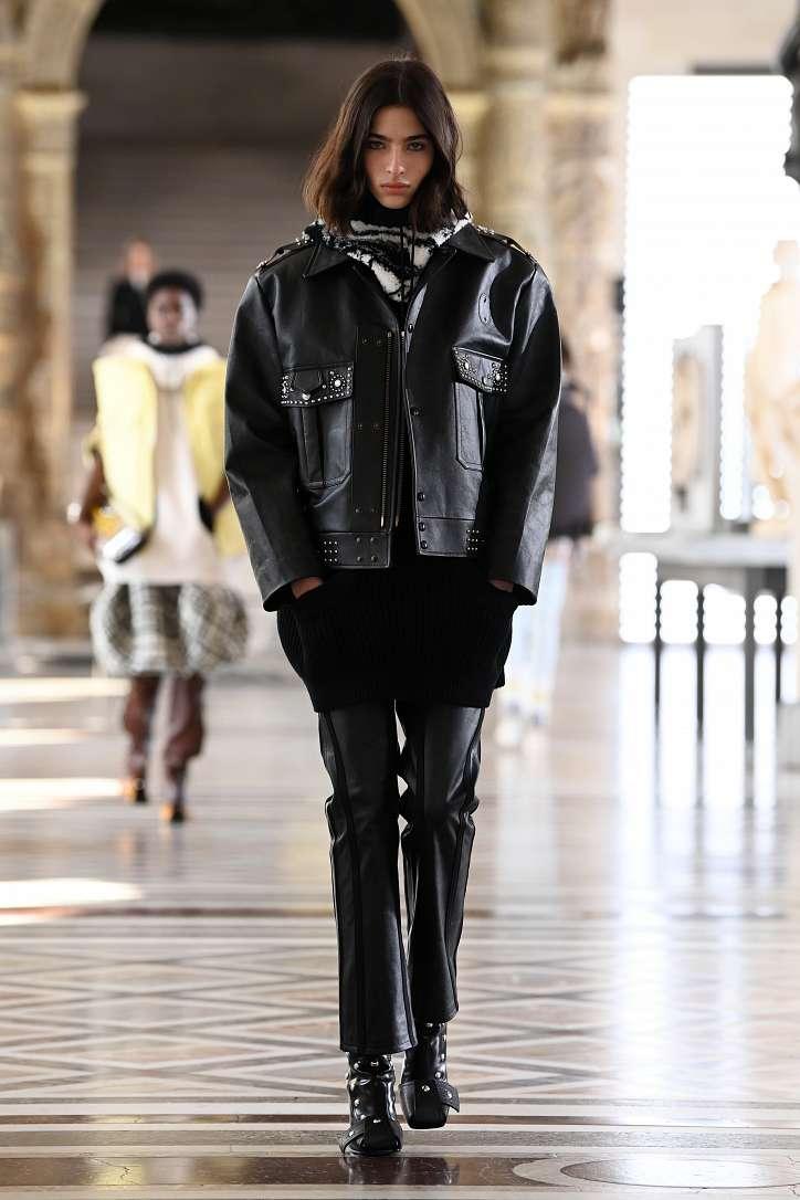 Louis Vuitton collection fall-winter 2021-2022 photo # 13