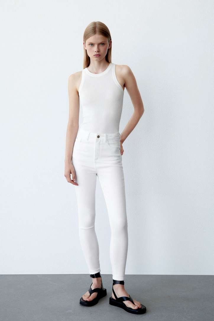 What to wear with white jeans: stylish bows on the note photo # 10