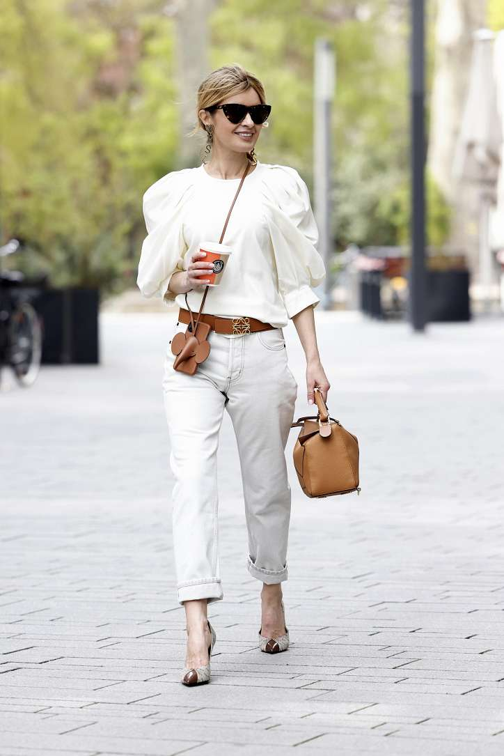 With what to wear white jeans: stylish bows on the note photo # 17