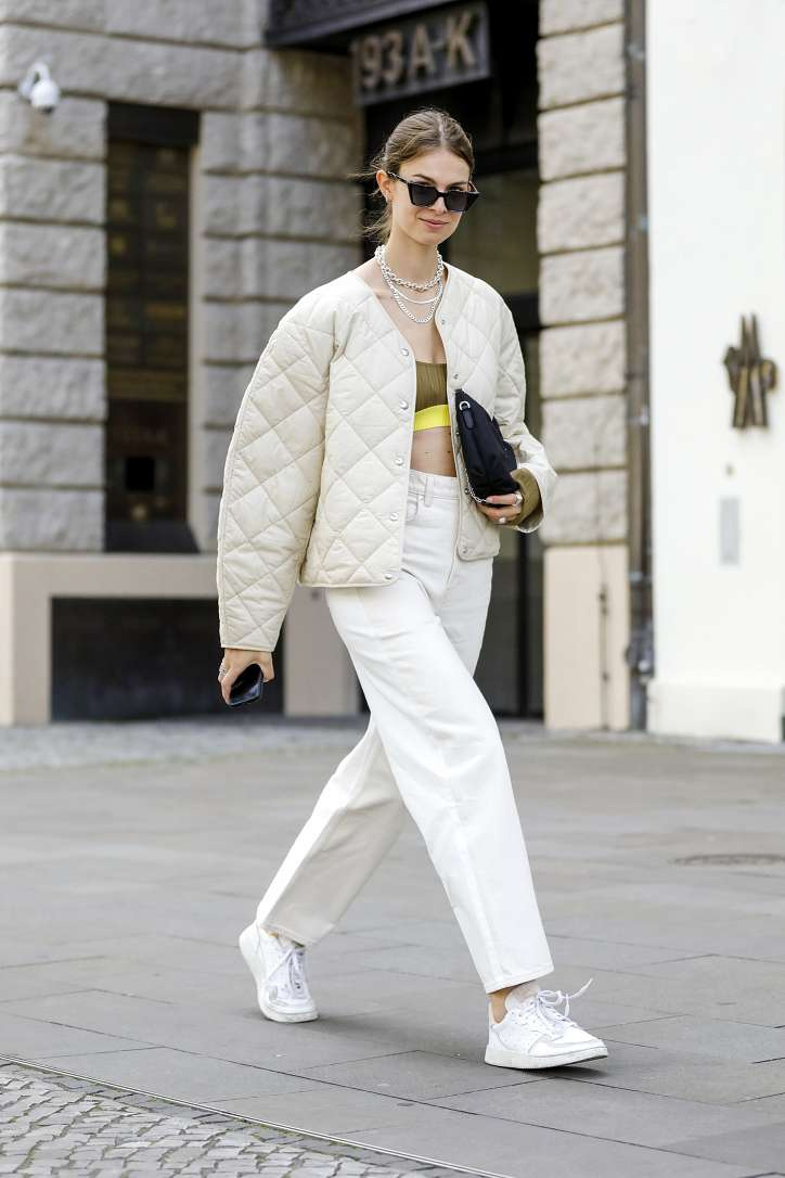 What to wear with white jeans: stylish bows on the note photo # 16