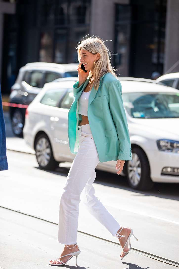 What to wear with white jeans: stylish bows on the note photo # 18