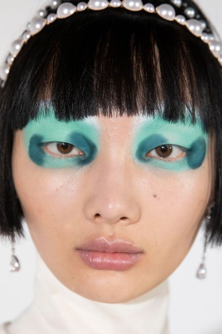 Eye shadow makeup