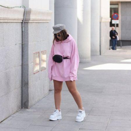 Pink Longline Sweatshirt and White Sneakers looks