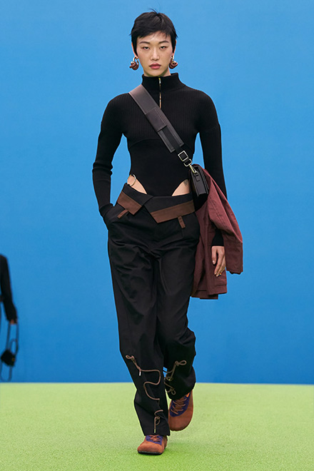 Sweatpants in the Jacquemus FW 2021 collection