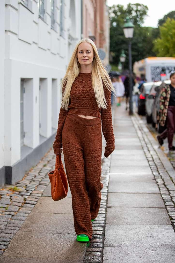 Autumn bows: 20 stylish ideas for fashionable girls photo # 14